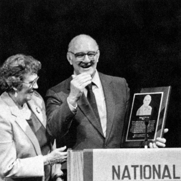 Robert and Shirley Panara receiving award